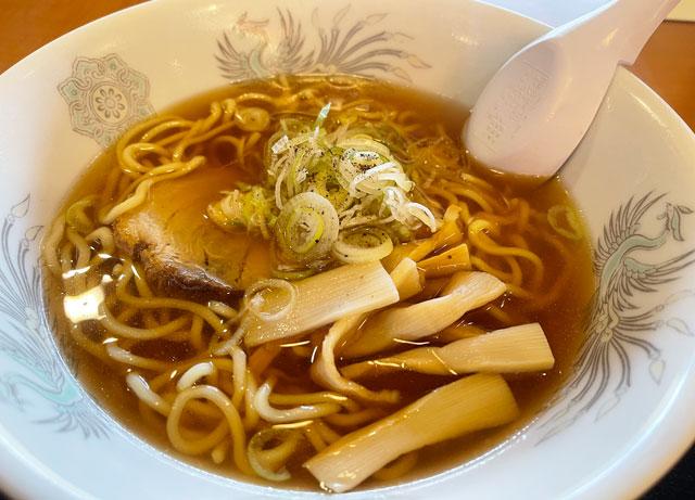 富山県高岡市の北陸健康センターアラピアの大食堂のラーメン