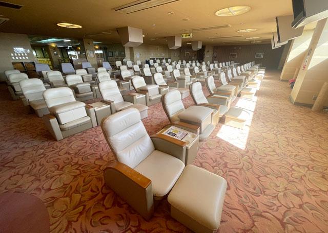 富山県高岡市の北陸健康センターアラピアの大休憩室(3F)
