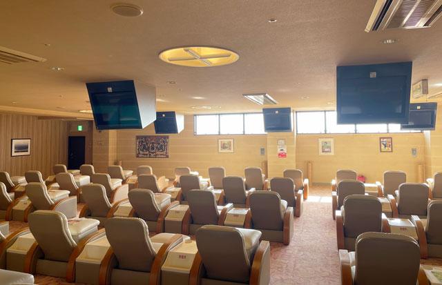 富山県高岡市の北陸健康センターアラピアの大休憩室(3F)のテレビ