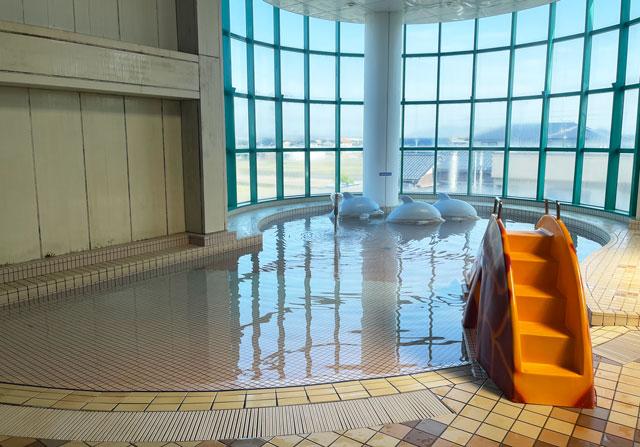 富山県高岡市の北陸健康センターアラピアの温水プール「スパピア」の子供プール