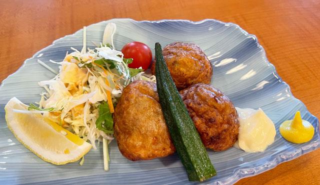 富山県高岡市の北陸健康センターアラピアの大食堂のすり身