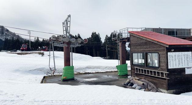 富山市立山山麓あわすのスキー場のリフト