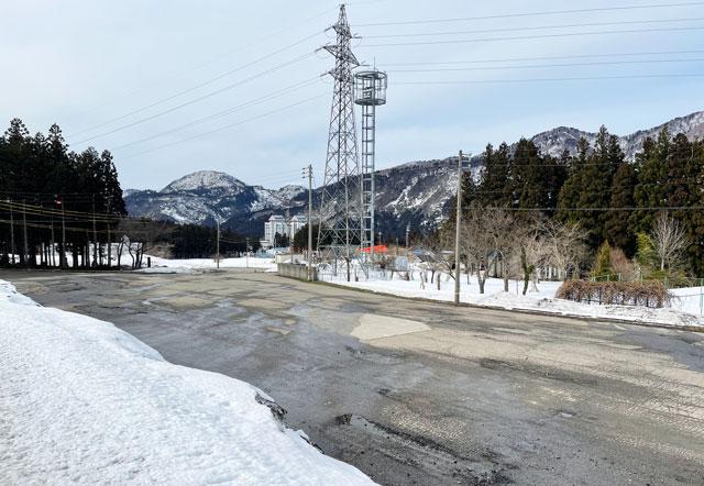 富山市立山山麓あわすのスキー場の駐車場