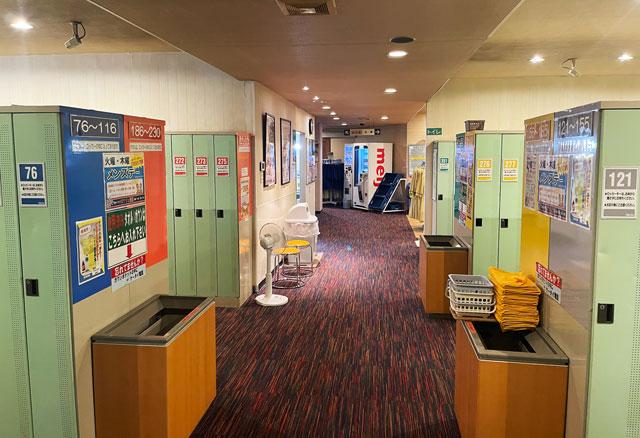 富山市山室にある宿泊もできる浴場施設「スパ・アルプス」の更衣室&ロッカー