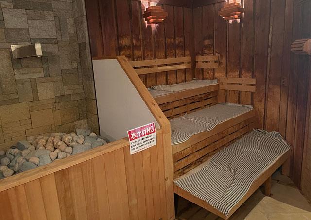 富山市山室にある宿泊もできる浴場施設「スパ・アルプス」のサウナ