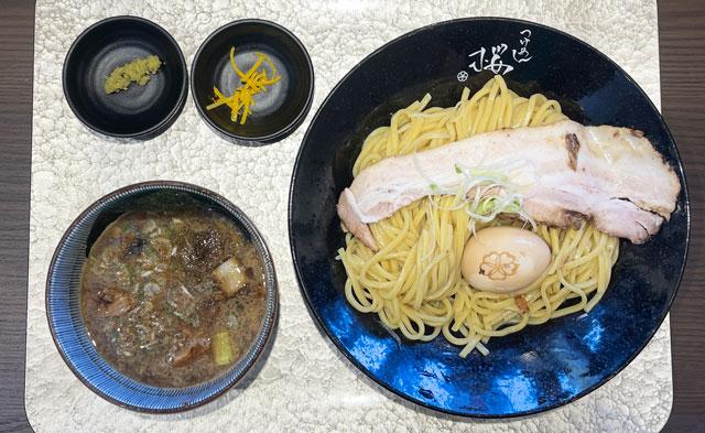 富山市のラーメン店「つけめん桜 富山上袋店」の特製宮田醤油つけ麺