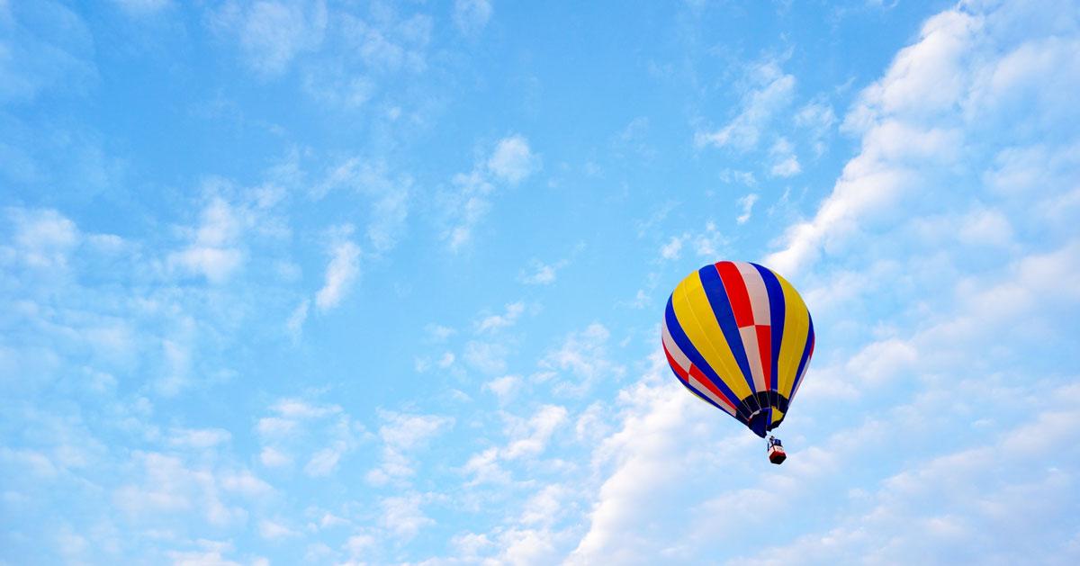 【砺波チューリップバルーン】空飛ぶ気球に乗れる体験搭乗も!