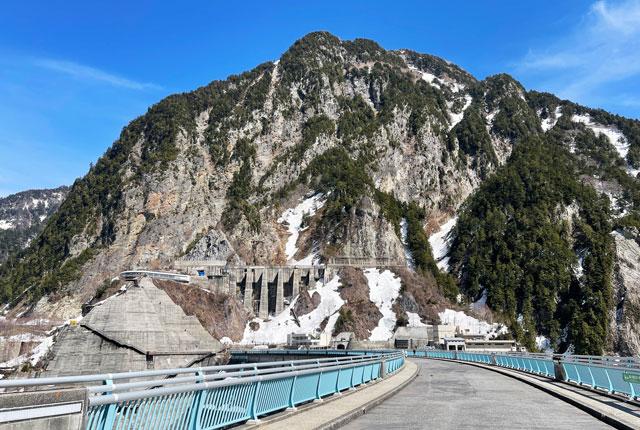 観光放水のない静かな立山黒部アルペンルート「黒部ダム」