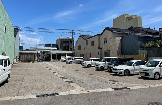 富山県氷見市の光禅寺横の無料駐車場2