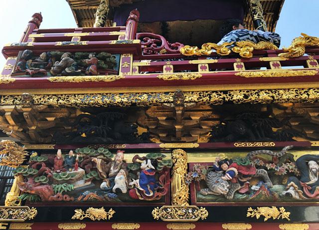 富山県富山市の祭り「越中八尾曳山祭」の豪華絢爛な曳山