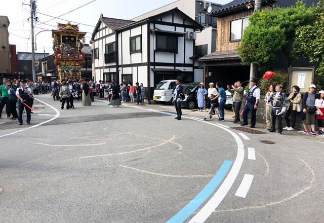 富山県富山市の祭り「越中八尾曳山祭」の曳き跡
