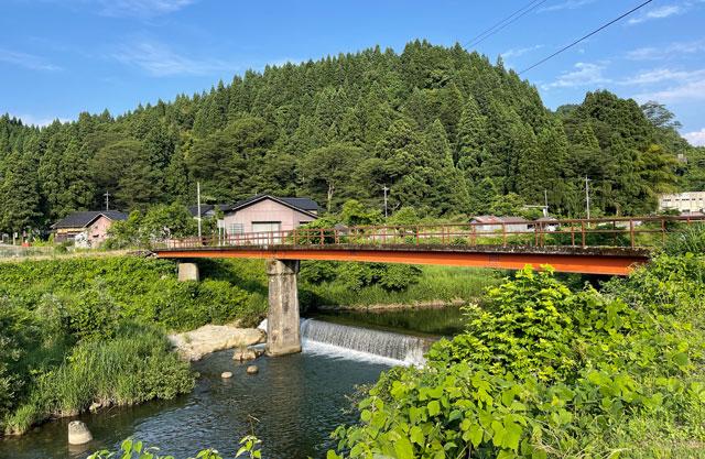 富山県上市町の上市川沿岸円筒分水場円筒分水槽(かみいちがわえんがんえんとうぶんすいじょうえんとうぶんすいそう)周辺の景色2