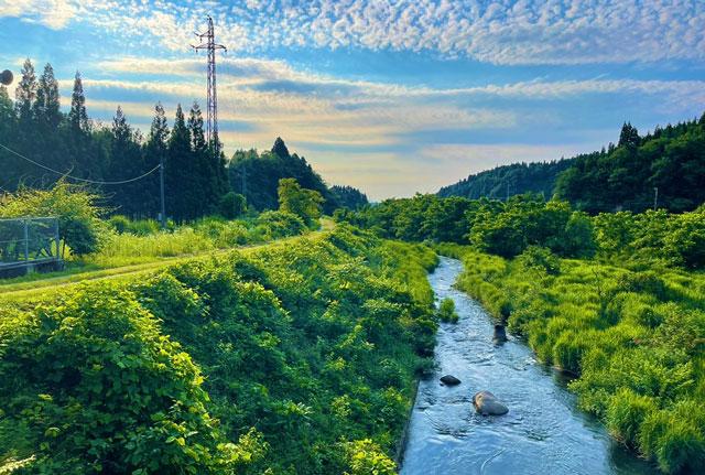富山県上市町の上市川沿岸円筒分水場円筒分水槽(かみいちがわえんがんえんとうぶんすいじょうえんとうぶんすいそう)周辺の景色
