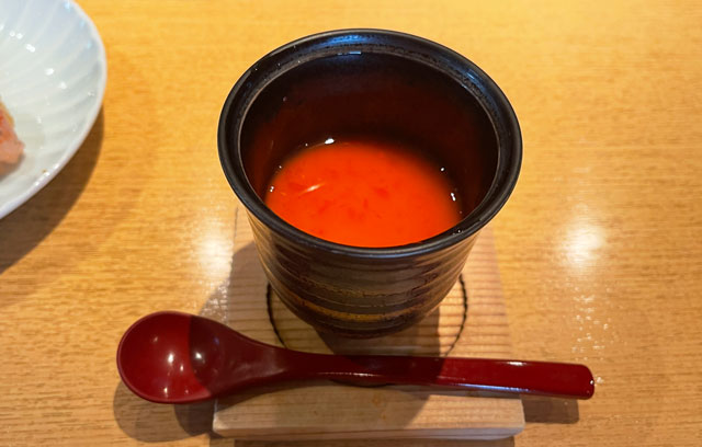 富山市のミシュラン一つ星の寿司屋「鮨人(すしじん)」の茶碗蒸し