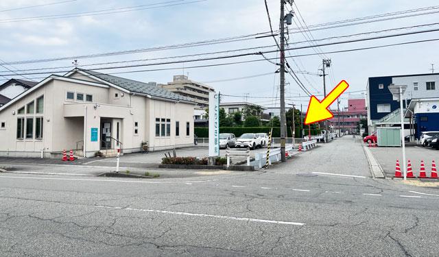 富山市のミシュラン一つ星の寿司屋「鮨人(すしじん)」の離れた駐車場の場所