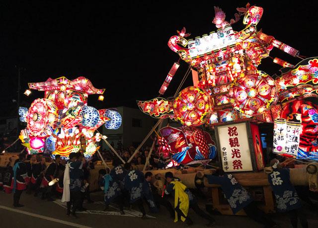 富山県砺波市の庄川観光祭の大行燈あわせ