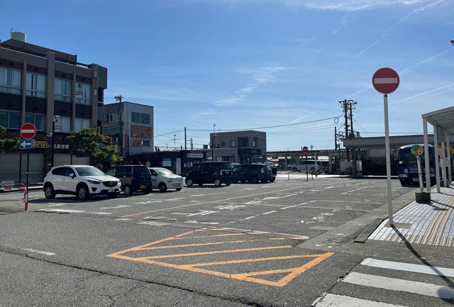 富山県魚津市のあいの風とやま鉄道「魚津駅」の無料駐車場