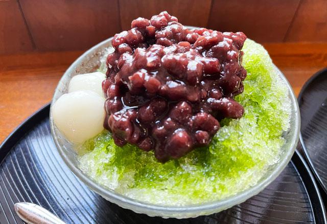 富山市豊田の老舗格安かき氷「いも屋」のかき氷「宇治金時」