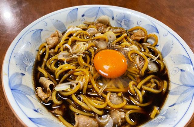 麺屋いろはの富山ブラックラーメン、玉子トッピング
