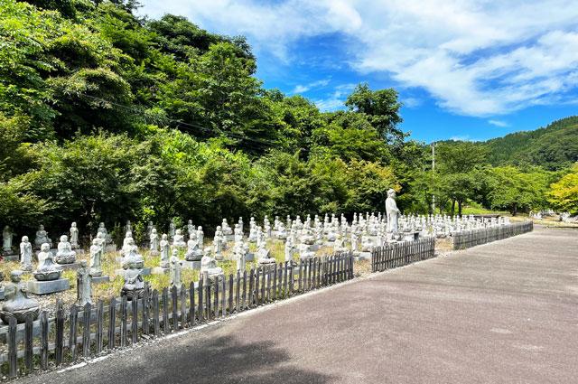富山県高岡市の招福地蔵(ふくおかつくりもん祭り)の大量のお地蔵さん