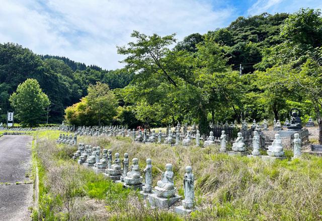 富山県高岡市の招福地蔵(ふくおかつくりもん祭り)の大量のお地蔵さん2