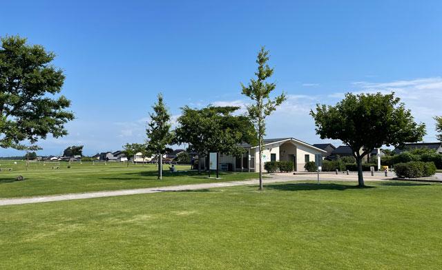 富山県射水市の海老江海浜公園のトイレやシャワー