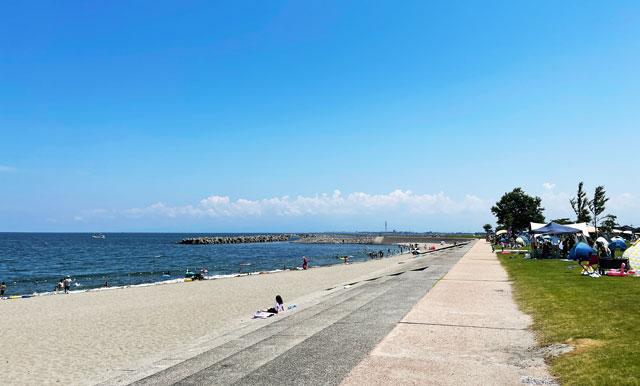 富山県射水市の海老江海浜公園・海水浴場のビーチ