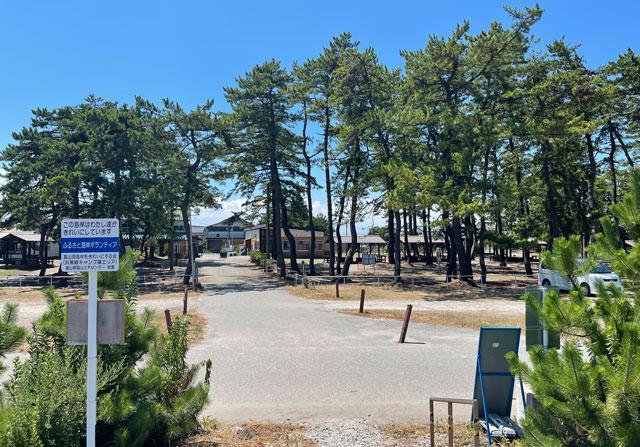 海岸から見た富山県富山市の浜黒崎キャンプ場