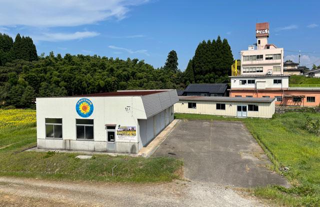 富山県射水市「富山県立大学」のひまわりプロジェクトの駐車場