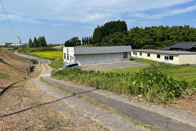 富山県射水市「富山県立大学」のひまわり迷路への道