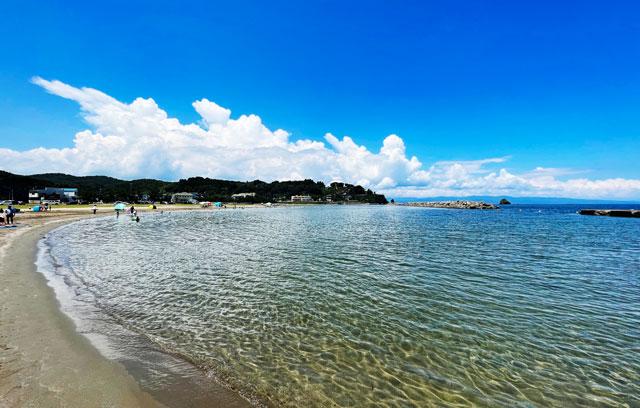 富山県高岡市の国分海浜公園・海水浴場の海