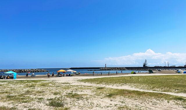 富山県高岡市の国分海浜公園・海水浴場の砂浜ビーチ