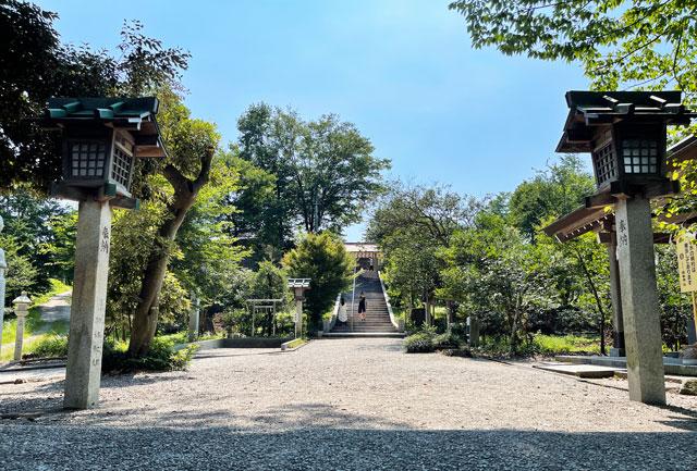 富山県射水市の櫛田神社の階段