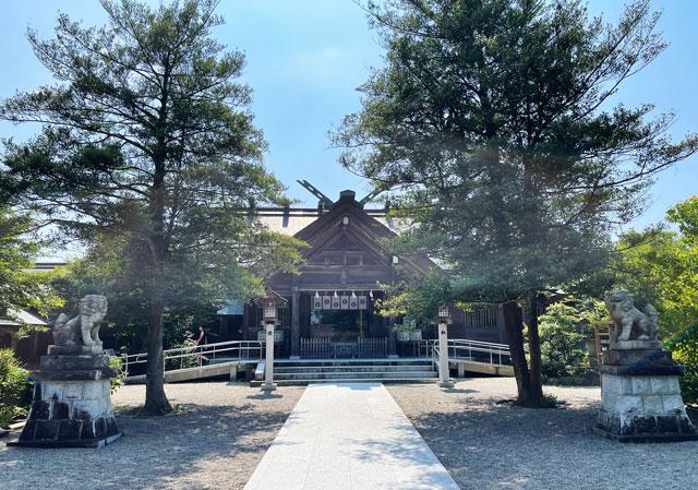富山県射水市の櫛田神社の本殿