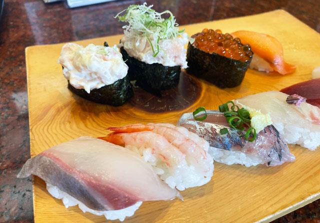 富山県の回転寿司「祭ばやし」のランチメニューの寿司セット