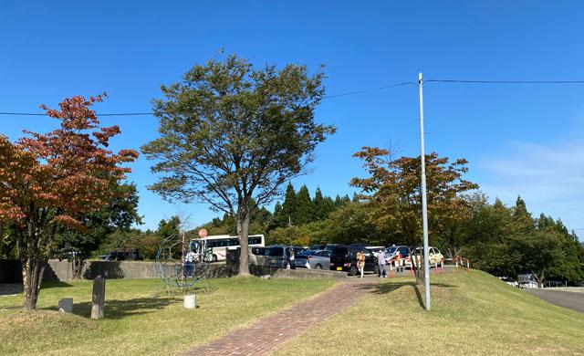 砺波市の夢の平スキー場のコスモス荘の無料駐車場