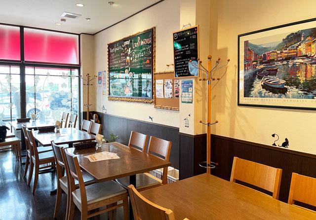 富山県砺波市のイタリアンレストラン「ラ・プリマヴェーラ」の店内の様子