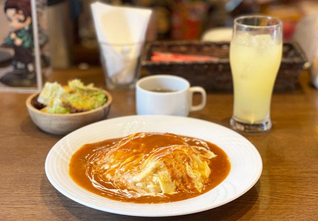 富山県砺波市のイタリアンレストラン「ラ・プリマヴェーラ」のふわとろオムライスセット