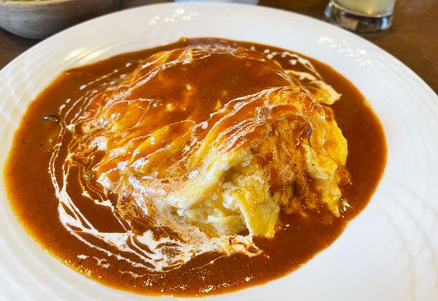 富山県砺波市のイタリアンレストラン「ラ・プリマヴェーラ」のふわとろオムライス