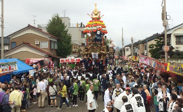 「人生の約束」ロケ地、舞台となった新湊曳山祭りの開始(放生津八幡宮)