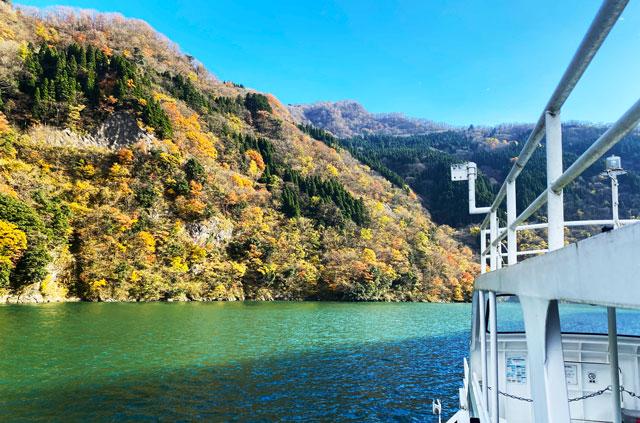 富山県砺波市の庄川遊覧船